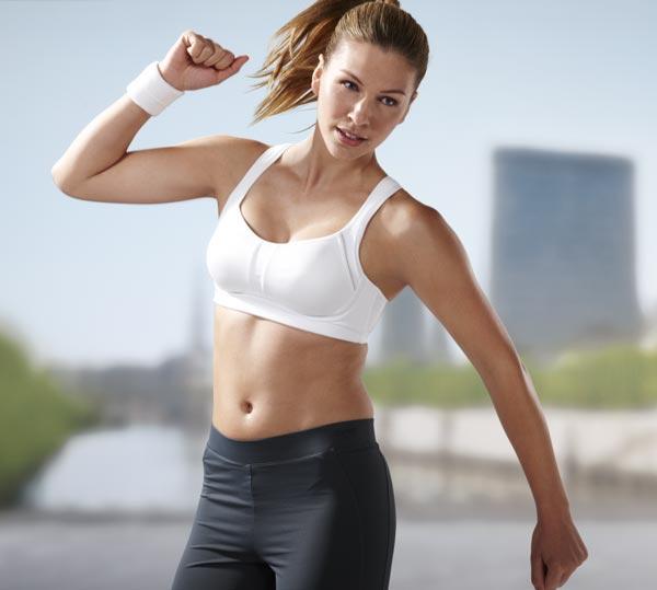 Oblečení a výbava na cvičení: Co si vzít na sebe do fitcentra?