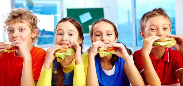 Tajemství chutné a zdravé školní svačiny: Důmyslná pestrost a lákavý pitný režim