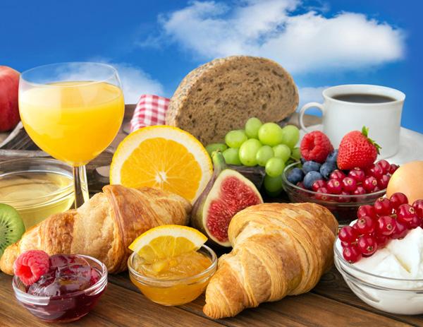 Tomáš Bartoš: Opravdu musíme všichni snídat, když chceme zhubnout?