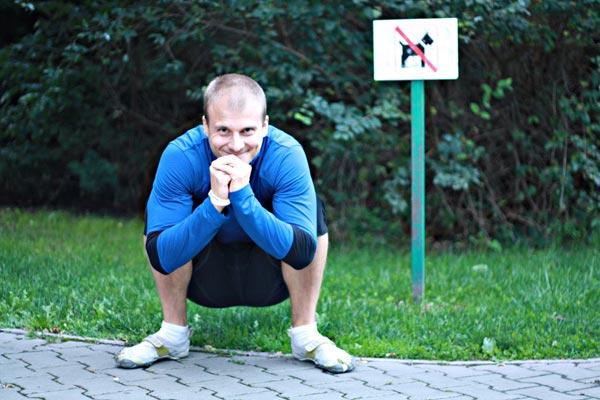 Jan Novosad: Nejlepší posilovnou je svět venku. Otevřete dveře a trénujte kdekoliv! Program MovNat vám ukáže, jak na to.