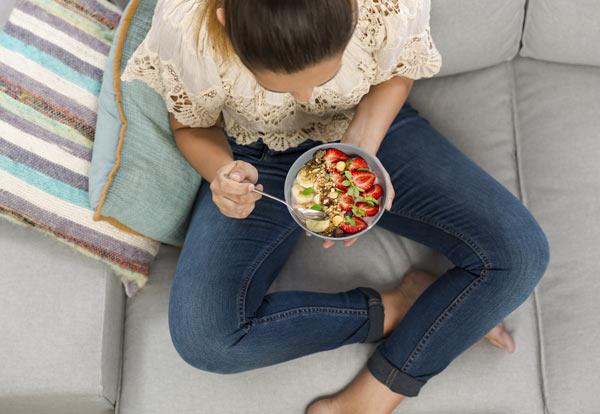 Vliv ořechů a semínek na zdraví člověka: Proč jíst jedlé kaštany a sezamová semínka