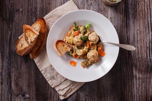 Luštěniny jak je (možná) neznáte: Recepty a tipy k využití luštěnin v jídelníčku kdykoliv během dne