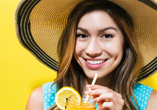 Pít, či nepít letní drinky aneb Řekni mi, co piješ, a já ti povím, kolik jsi přijal kalorií!