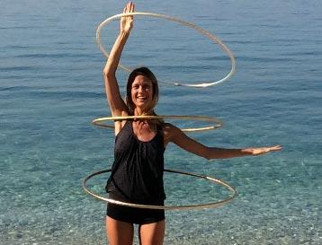 Hula hoop pro krásnou postavu aneb retro cvičení, které je stále in!