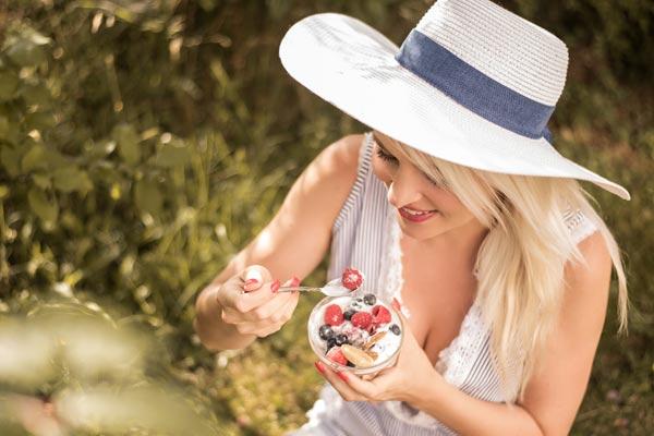 Jak si vytvořit správný jídelníček pomocí aplikace Kalorické tabulky, radí Katka Dobešová, zkušená fitness lektorka a výživová poradkyně