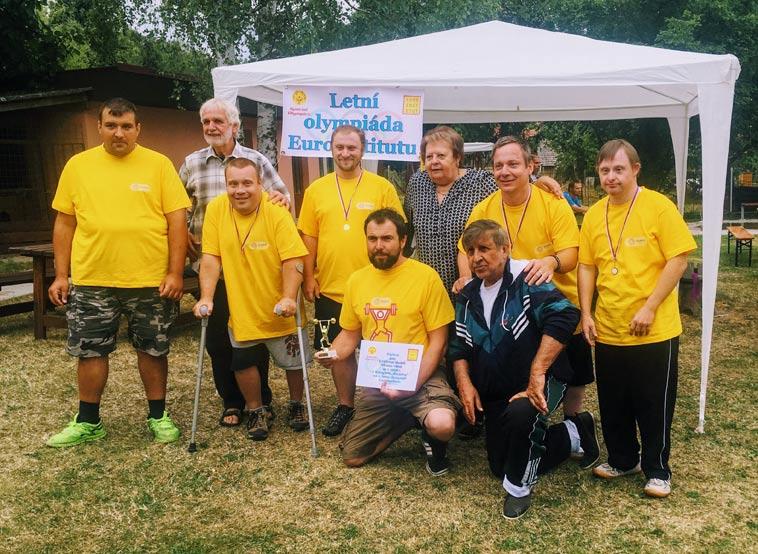 Vítězný team Centra služeb Slunce všem na Letní olympiádě Euroinstitutu