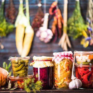 Kvašená zelenina pro zdraví – proč ji konzumovat a jak si ji připravit doma