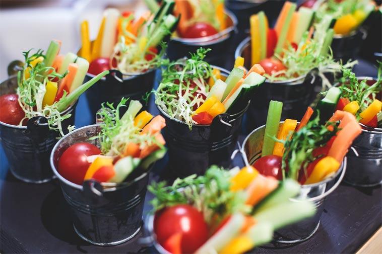 Netradiční pohoštění pro návštěvu, o které víte, že si hlídá kalorický příjem
