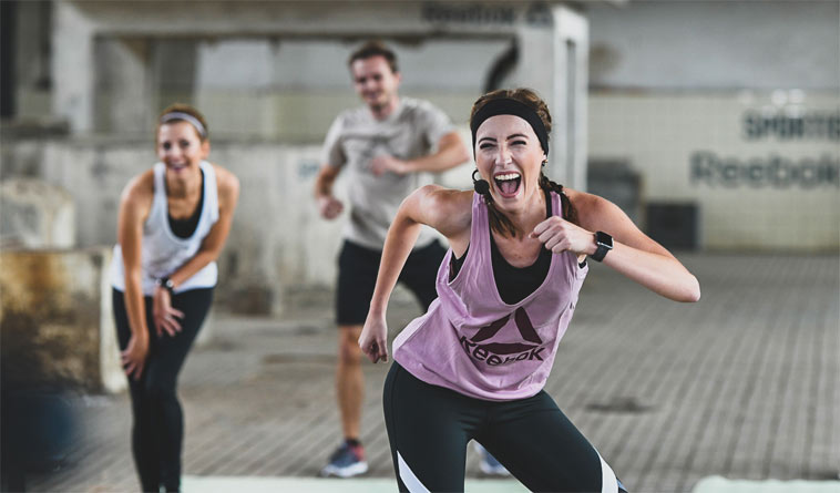 FITFAB Strong je 4týdenní fitness program, který se cvičí z pohodlí domova a zcela zdarma.