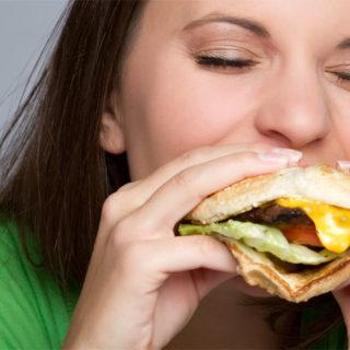 Kalorické Tabulky vám pomohou korigovat jídlo i ve výjimečných situacích jako jsou rodinné oslavy či víkendové výlety