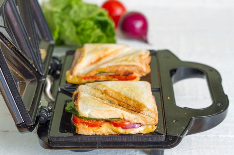 Rychlá jídla z toasteru a sendvičovače